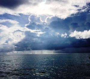 Лишь далеко на океане-море
