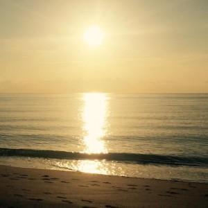 Утро у океана